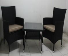 WOMAX fotelje + sto Pe ratan 3 kom